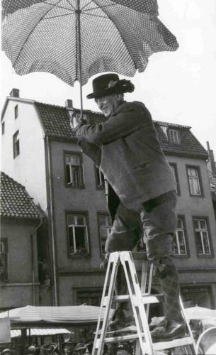 """Filmaufnahmen """"Der tolle Bomberg"""" 1957 auf dem Lemgoer Marktplatz - Hans Albers als Bomberg"""
