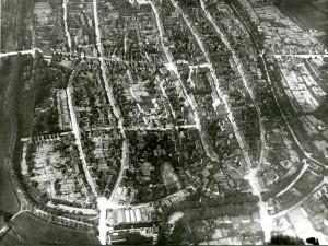 Ballonaufnahme der Stadt Lemgo aus 300 Meter Höhe am 17. Juli 1912 (StaL N 8 / 216)